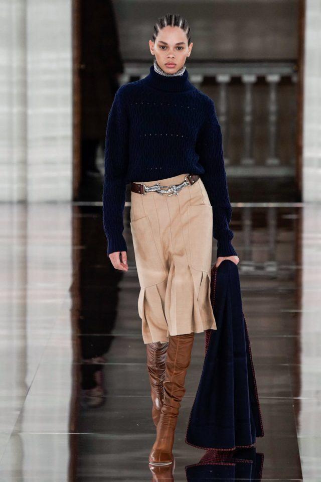 Показ Victoria Beckham на Неделе моды в Лондоне26