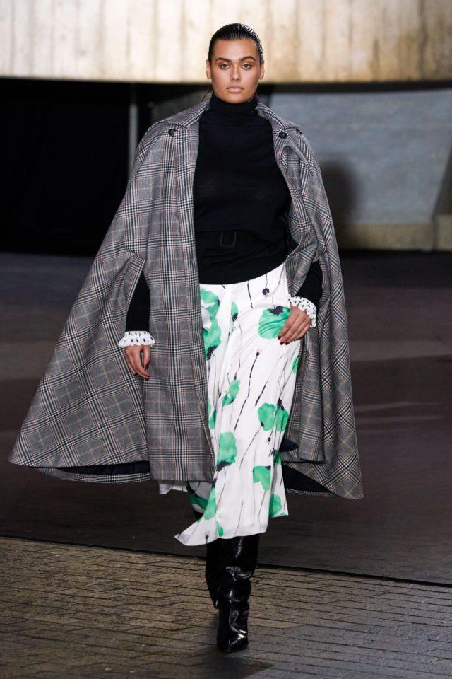 Показ Roland Mouret на Неделе моды в Лондоне36