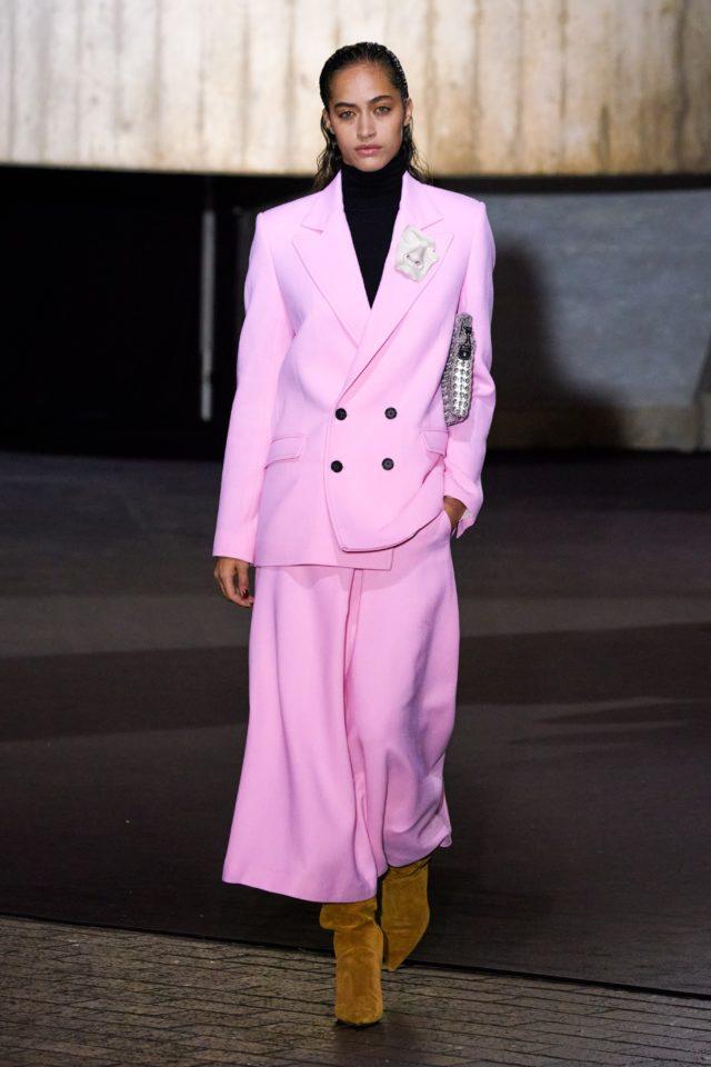 Показ Roland Mouret на Неделе моды в Лондоне19
