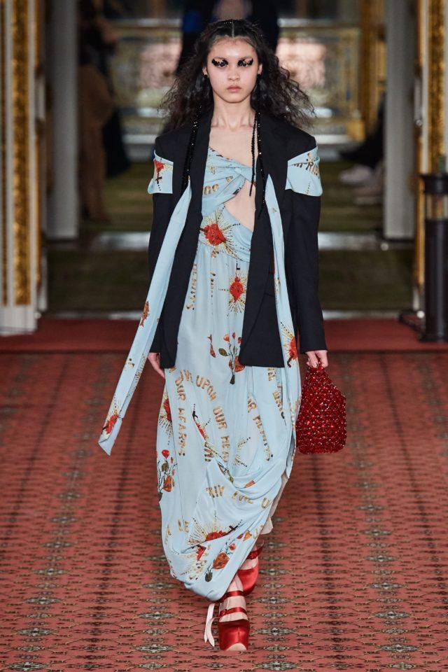 Показ Simone Rocha на Неделе моды в Лондоне26