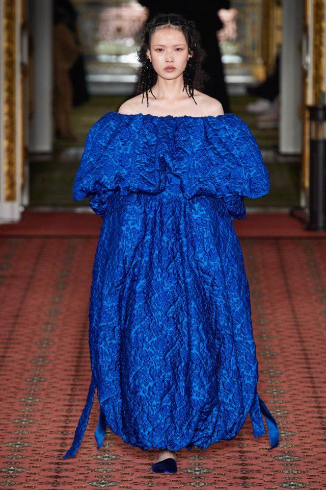 Показ Simone Rocha на Неделе моды в Лондоне30