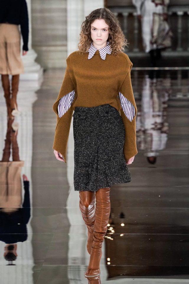 Показ Victoria Beckham на Неделе моды в Лондоне28