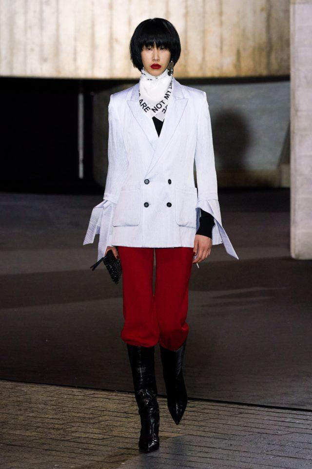 Показ Roland Mouret на Неделе моды в Лондоне24