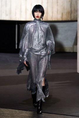 Показ Roland Mouret на Неделе моды в Лондоне5