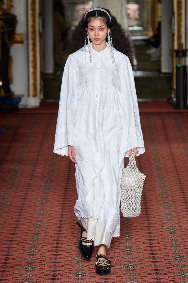 Показ Simone Rocha на Неделе моды в Лондоне4