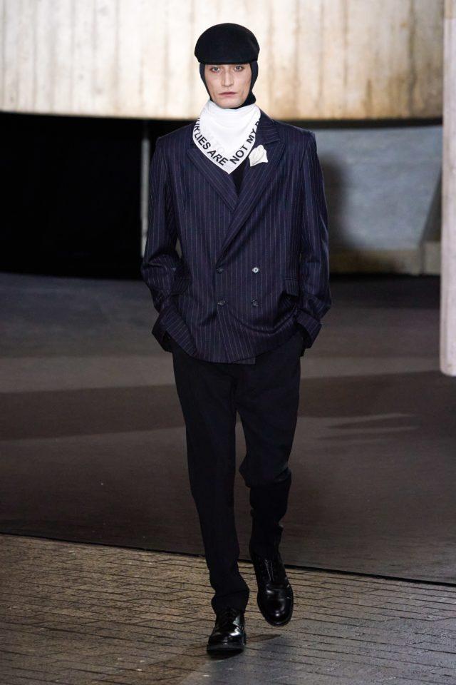 Показ Roland Mouret на Неделе моды в Лондоне18