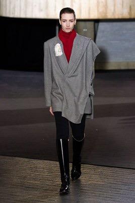 Показ Roland Mouret на Неделе моды в Лондоне35