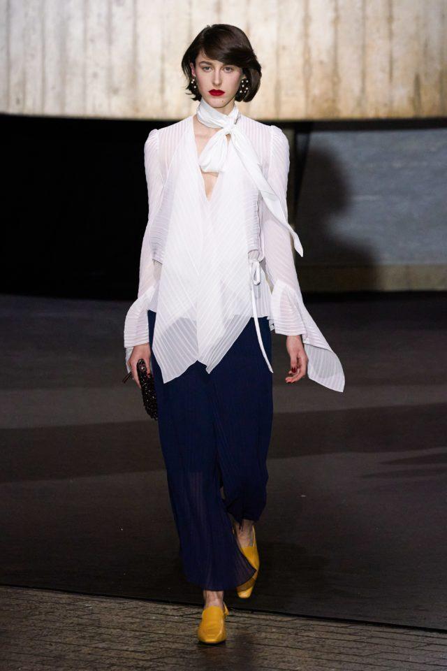 Показ Roland Mouret на Неделе моды в Лондоне25