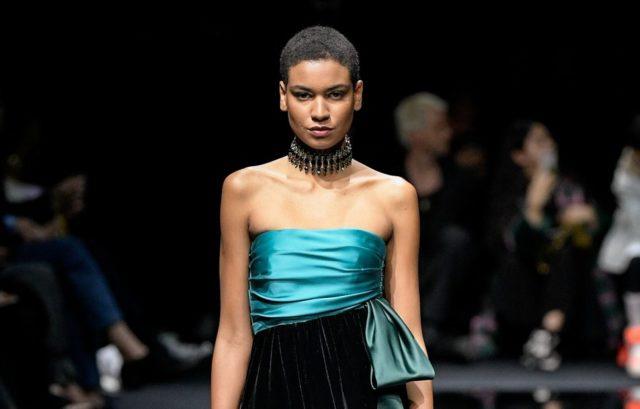 Показ Emporio Armani на Тижні моди в Мілані