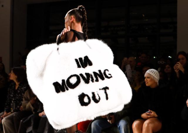 Сумка на Тижні моди в Нью-Йорку стала мемом в Мережі
