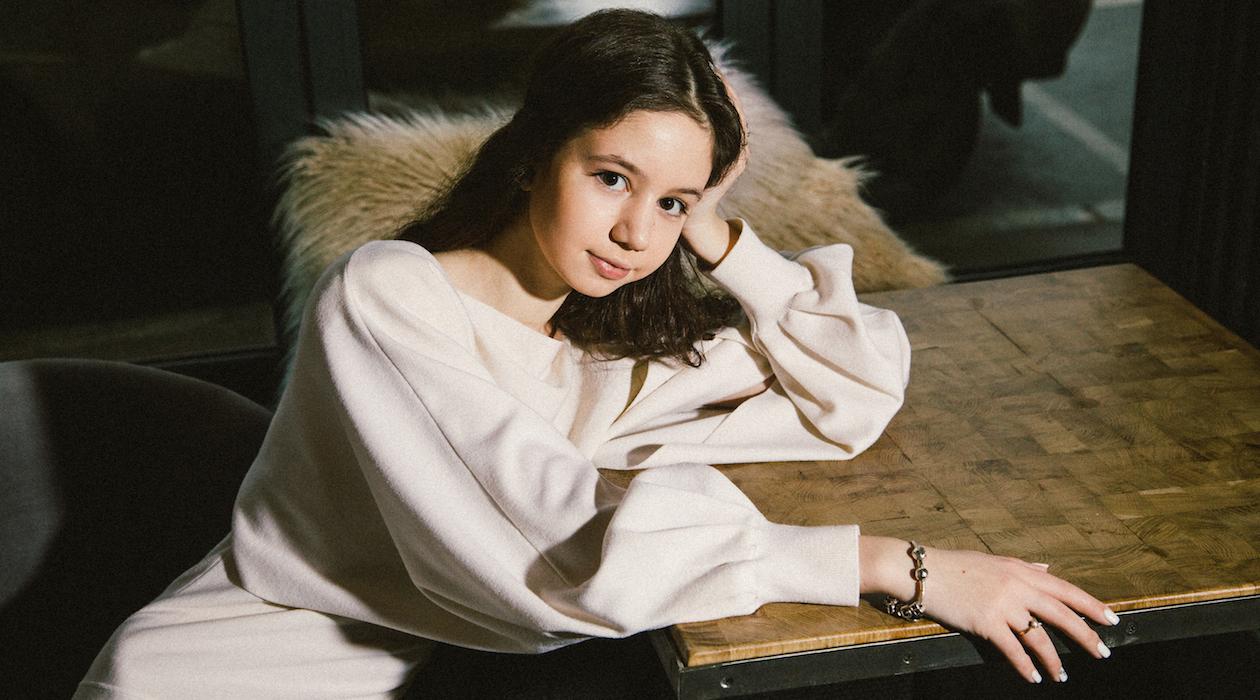 Новое поколение: звезда «Закрытой школы» Луиза-Габриэла Бровина о том, чем живет после сериала