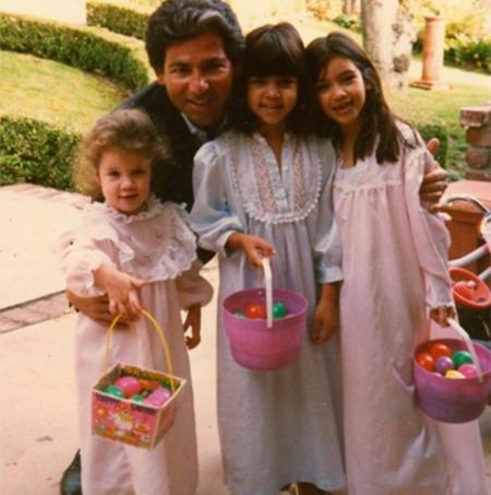 Роберт, Хлои, Кортни и Ким Кардашьян (Фото: @kimkardashian)