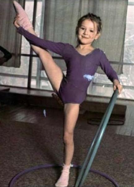 Маленькая гимнастка Маша