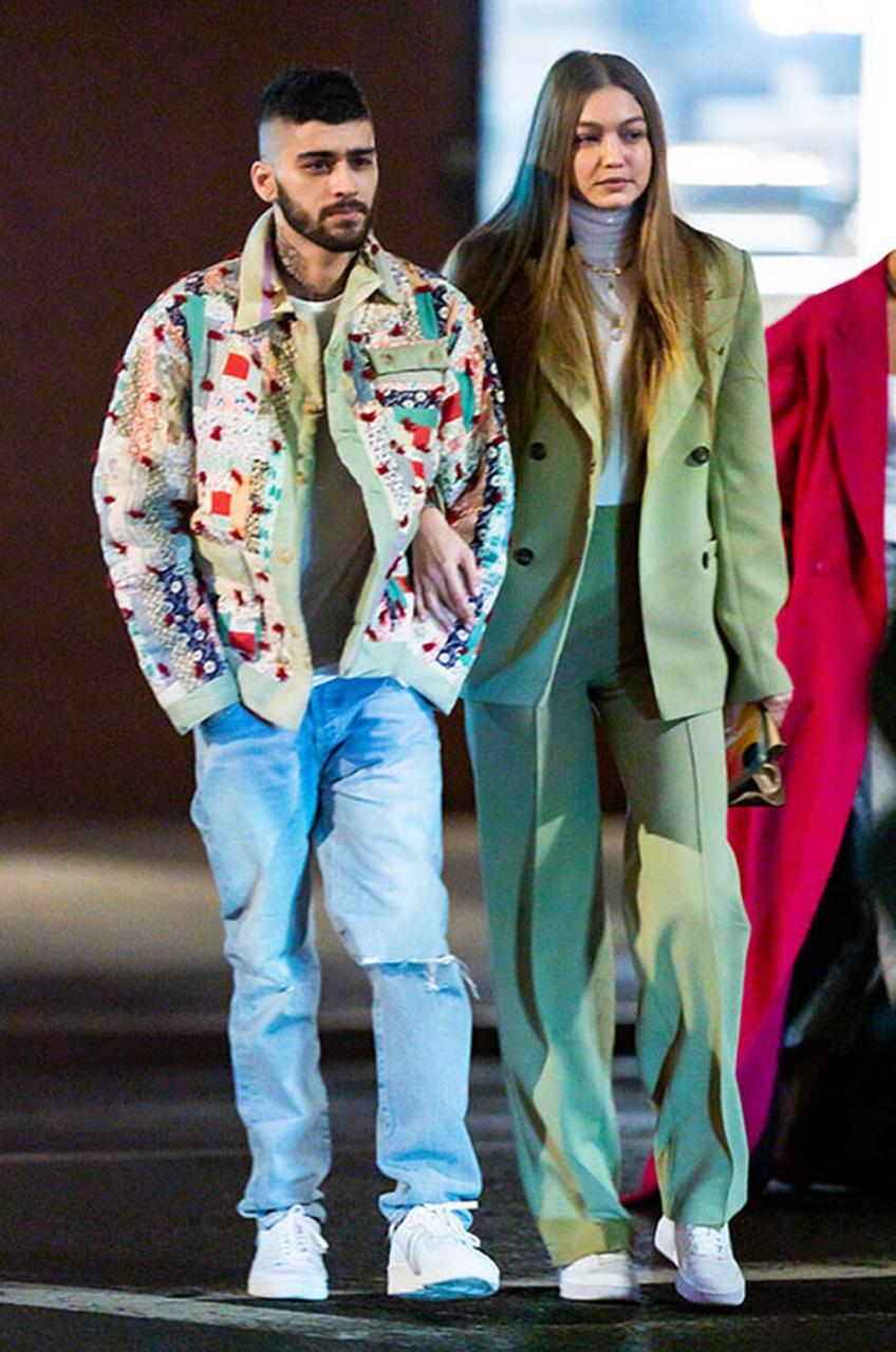 Эмили Ратаковски представила новую коллекцию одежды вместе с мужем: собрали лучшие парные выходы звёзд