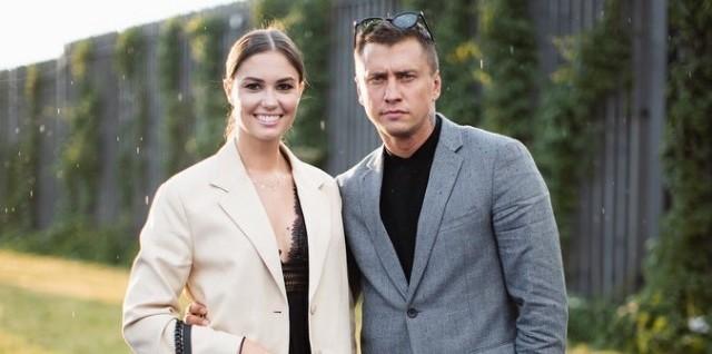 «Тотальное лицемерие»: Агату Муцениеце обвиняют в многолетнем романе с женатым актером