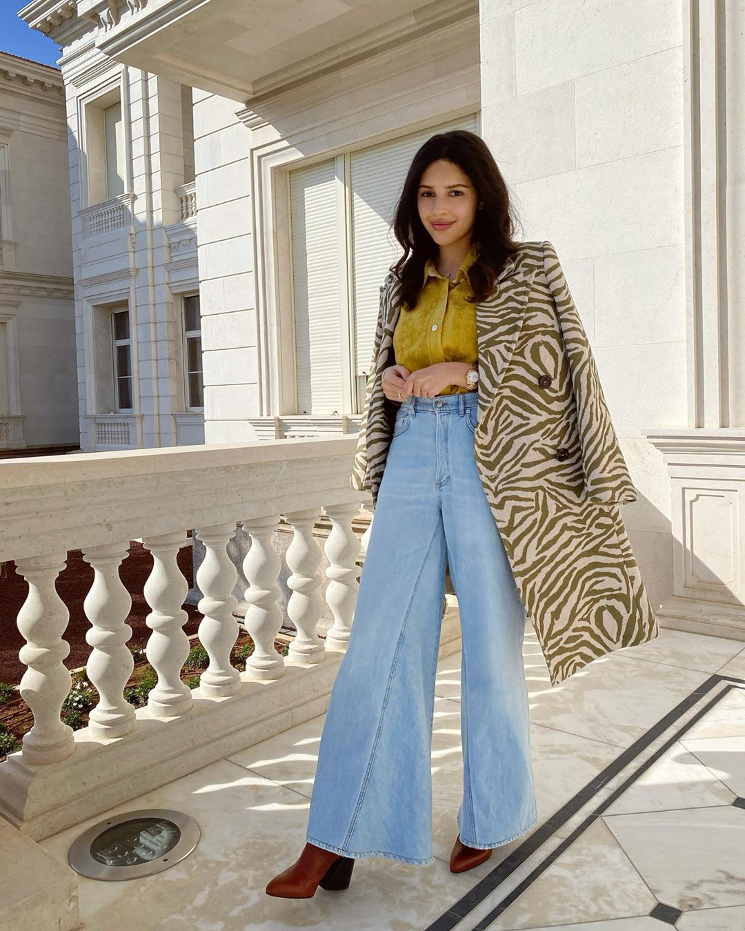Дочь основателя холдинга «Стройгазконсалтинг» Зияда Манасира Диана: пальто See by Chloé, 60028 руб. на farfetch.com
