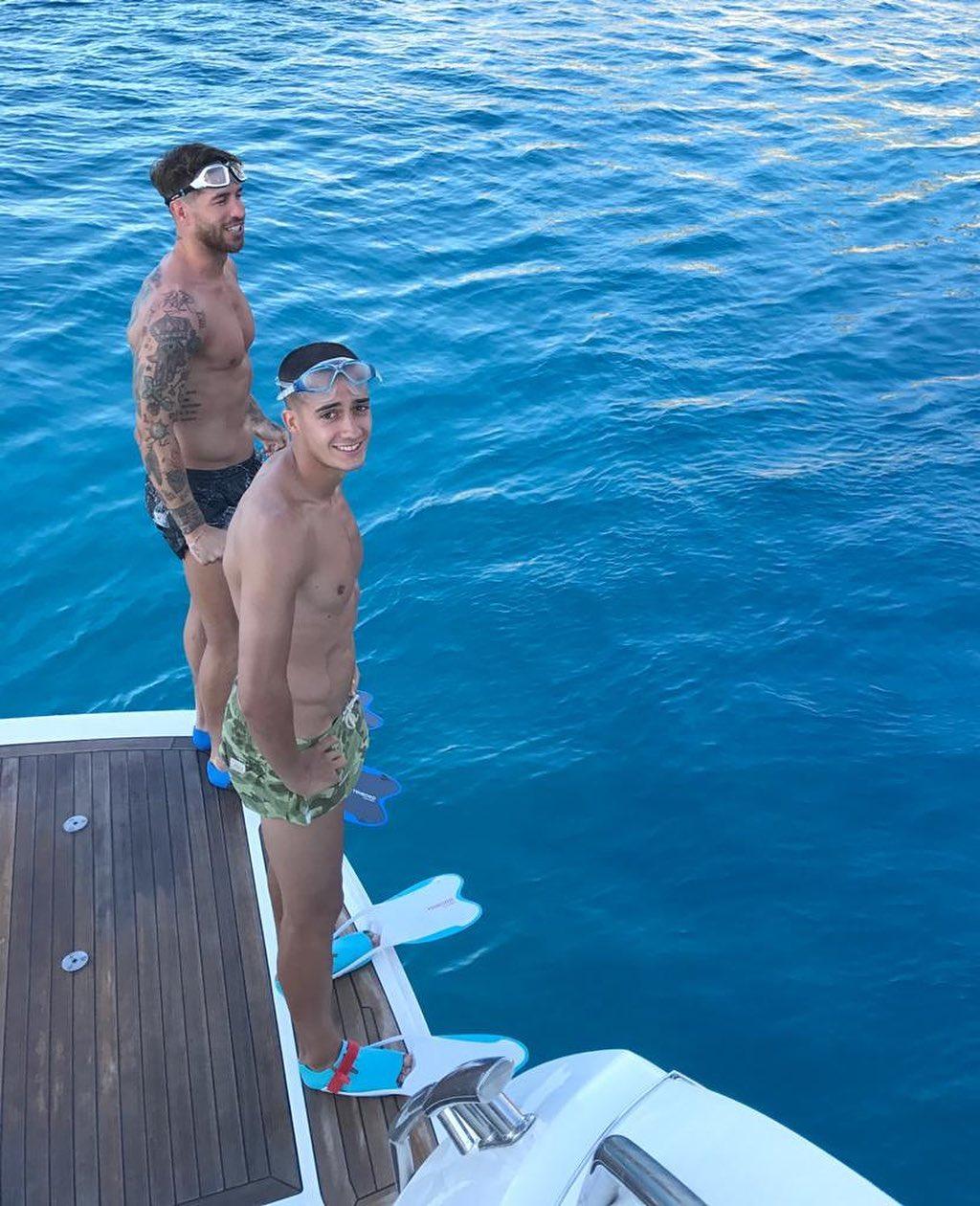 Лукас Васкес и Серхио Рамос (Instagram: @lucasvazquez91)