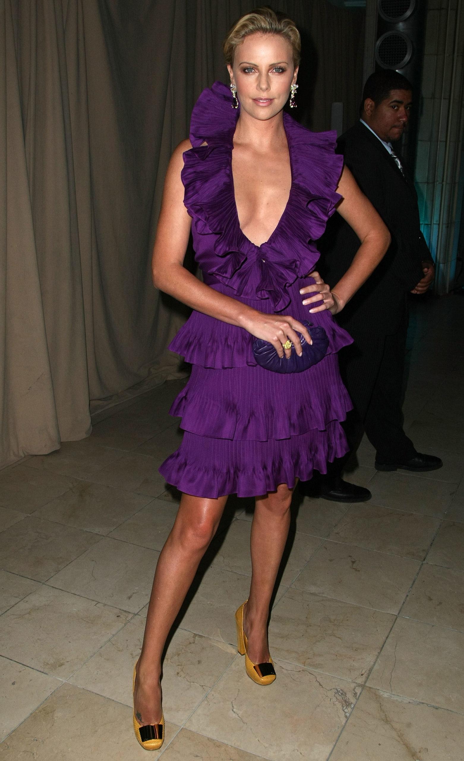Шарлиз Терон на шоу Christian Dior, 2009