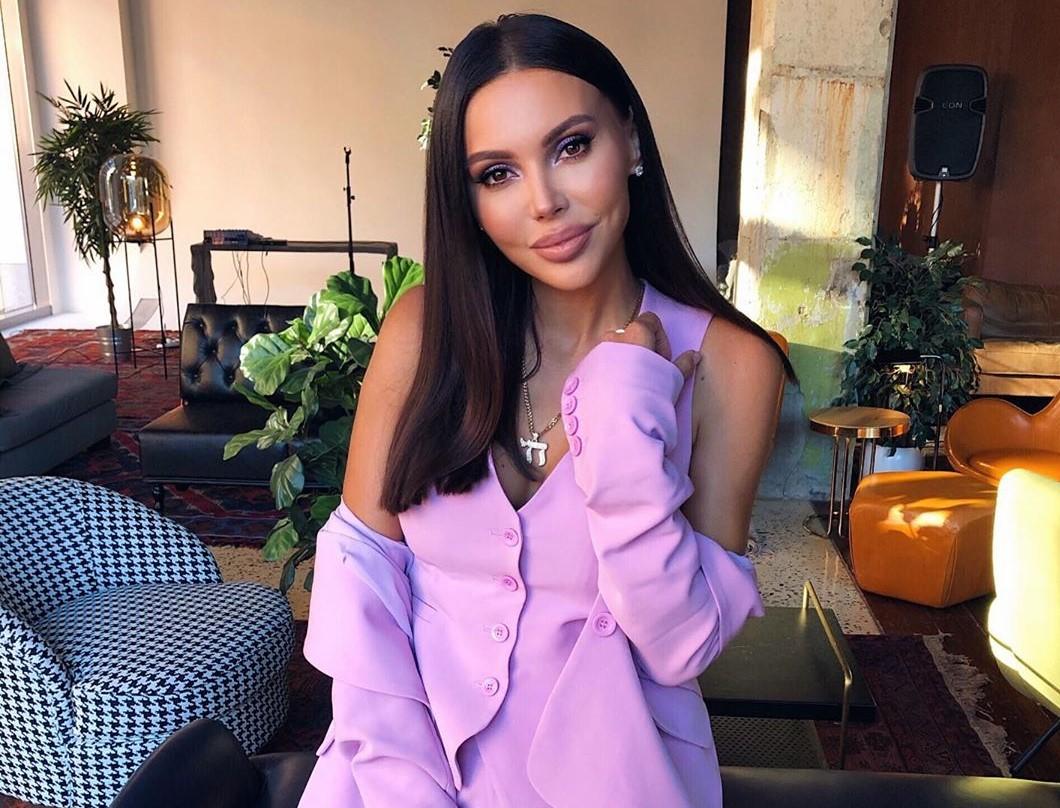 Оксана Самойлова собирается сделать пластику