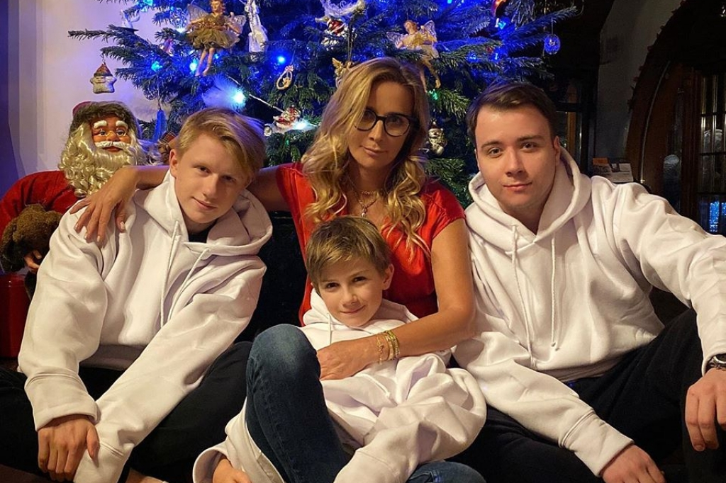 Ника Белоцерковская с детьми