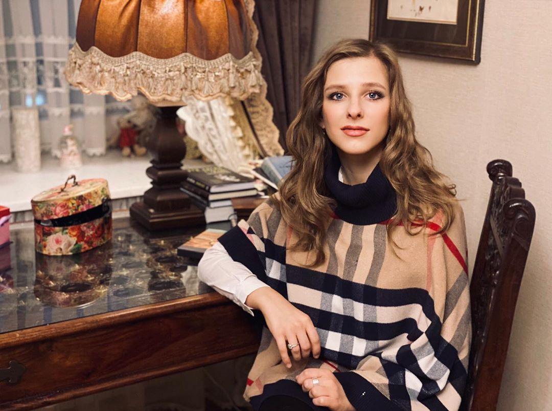 Я счастлива: Лиза Арзамасова впервые прокомментировала роман с Ильей Авербухом