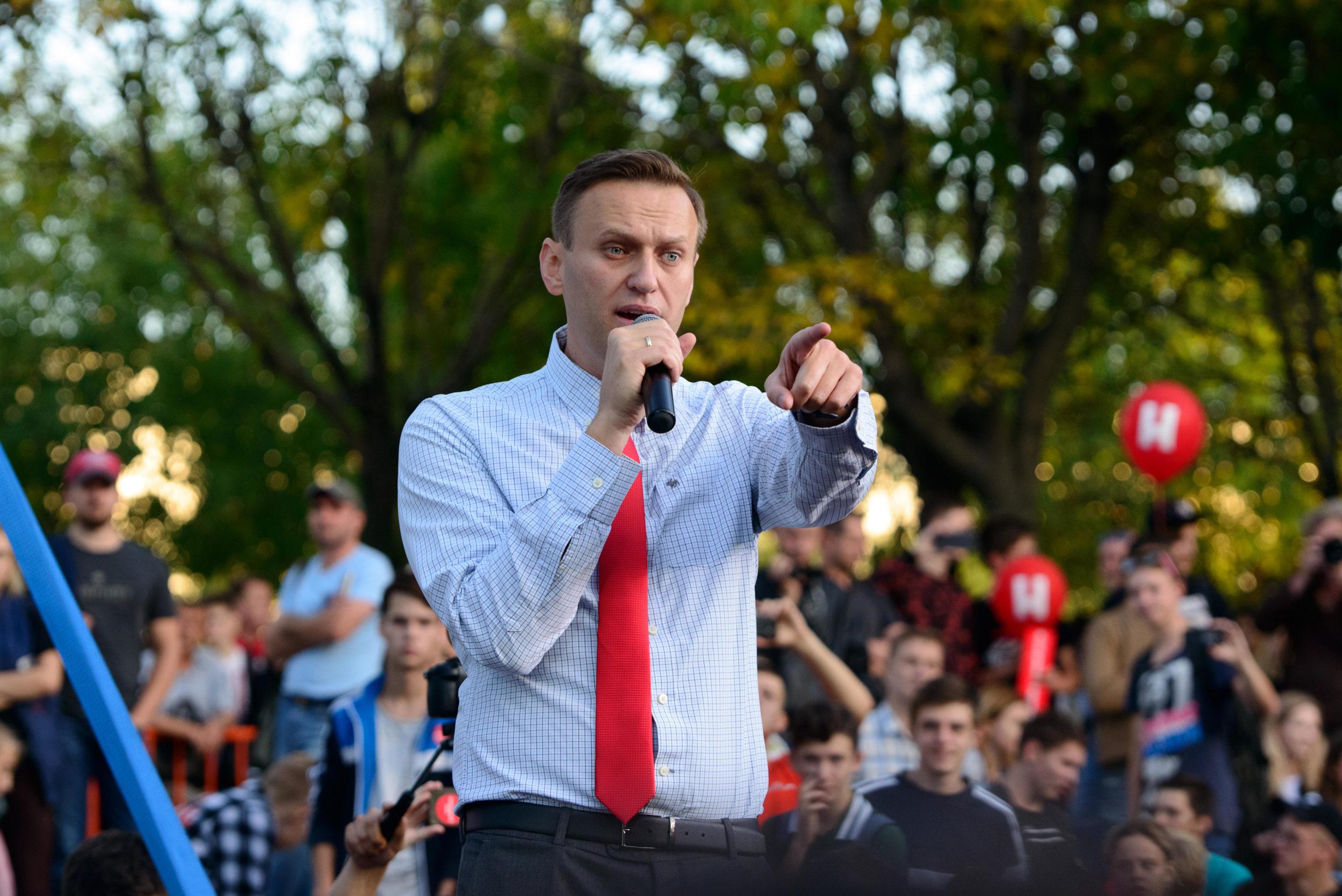 «Сейчас я парень, у которого дрожат ноги»: Алексей Навальный рассказал, как проходит его восстановление после комы