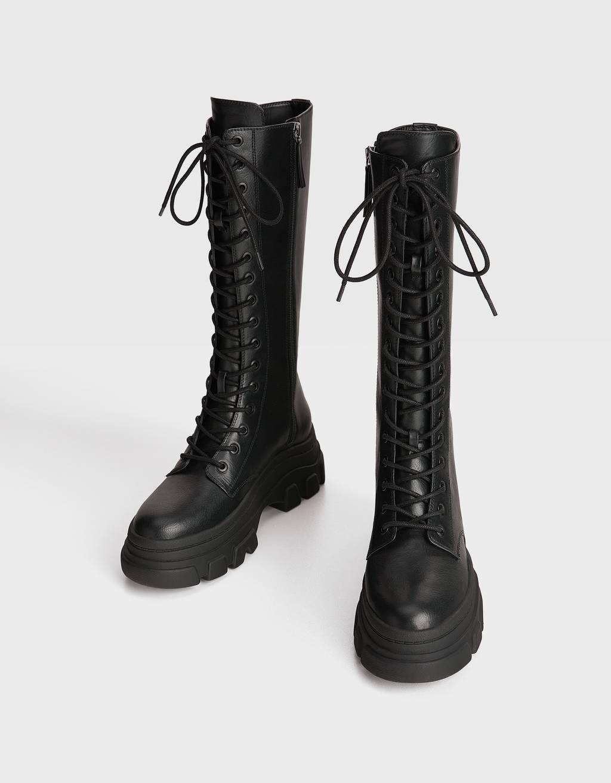 Сапоги на платформе и грубые ботинки: 10 пар стильной обуви на осень