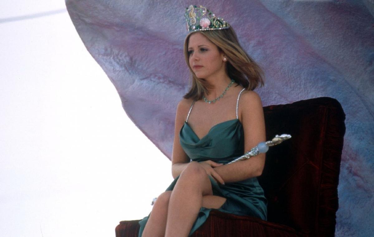 Вспомнить все: главные герои фильма «Я знаю, что вы сделали прошлым летом» отметили 18 лет со дня свадьбы