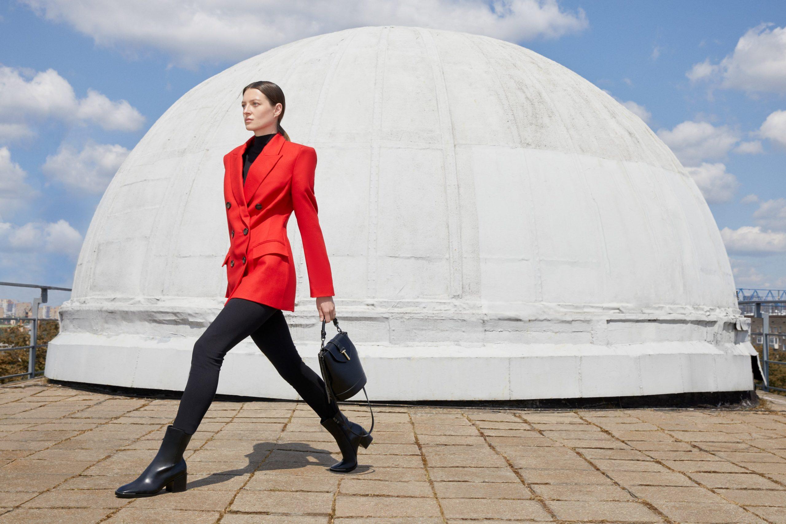 От челси до грубых ботинок: Юлия Высоцкая и «Эконика» выпустили капсульную коллекцию