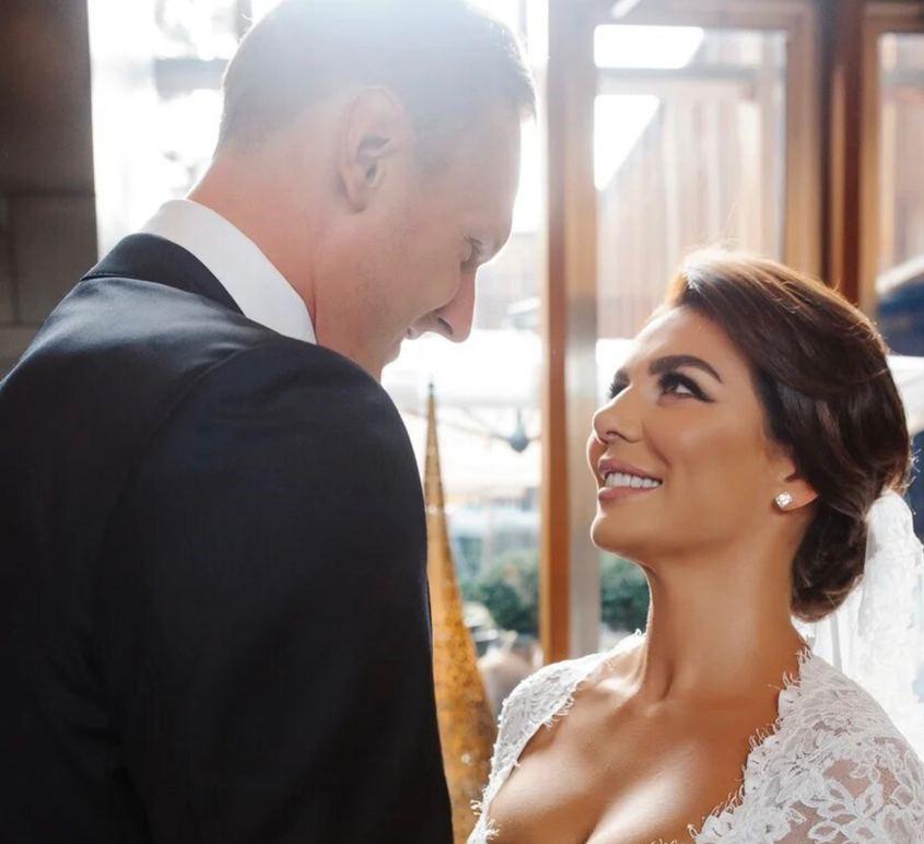 Мы просто пошли и расписались: Анна Седокова и Янис Тимма впервые рассказали о тайной свадьбе