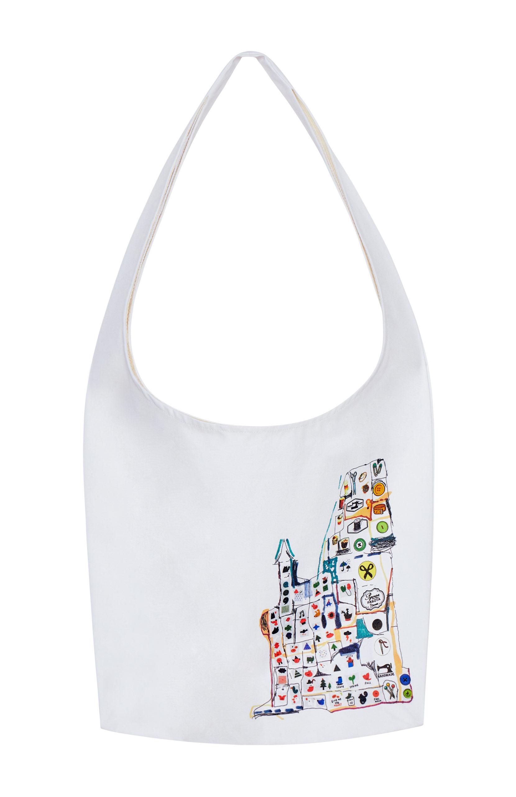 От свитшотов до шоперов: Cosmoscow выпустили капсульную коллекцию одежды