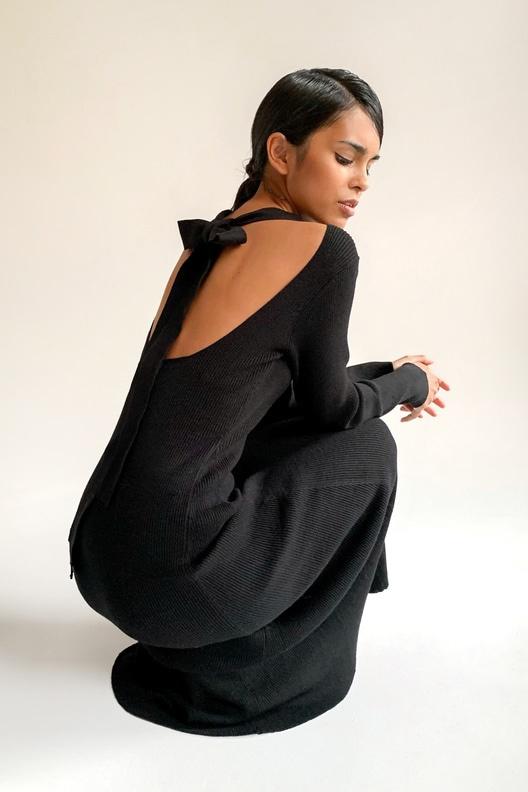 Тренд сезона: 20 чёрных платьев на осень