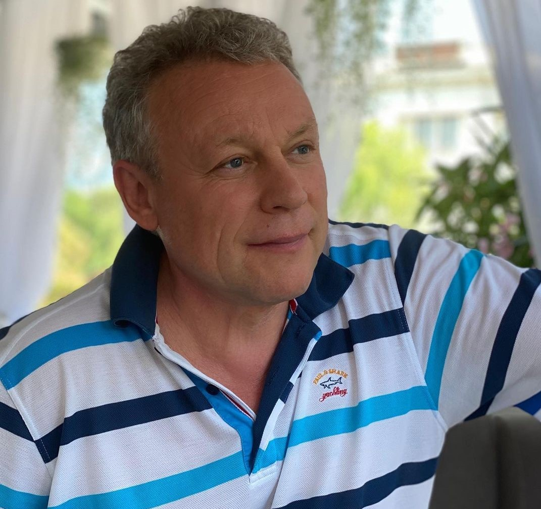 Не опять, а снова: Сергей Жигунов развелся с женой