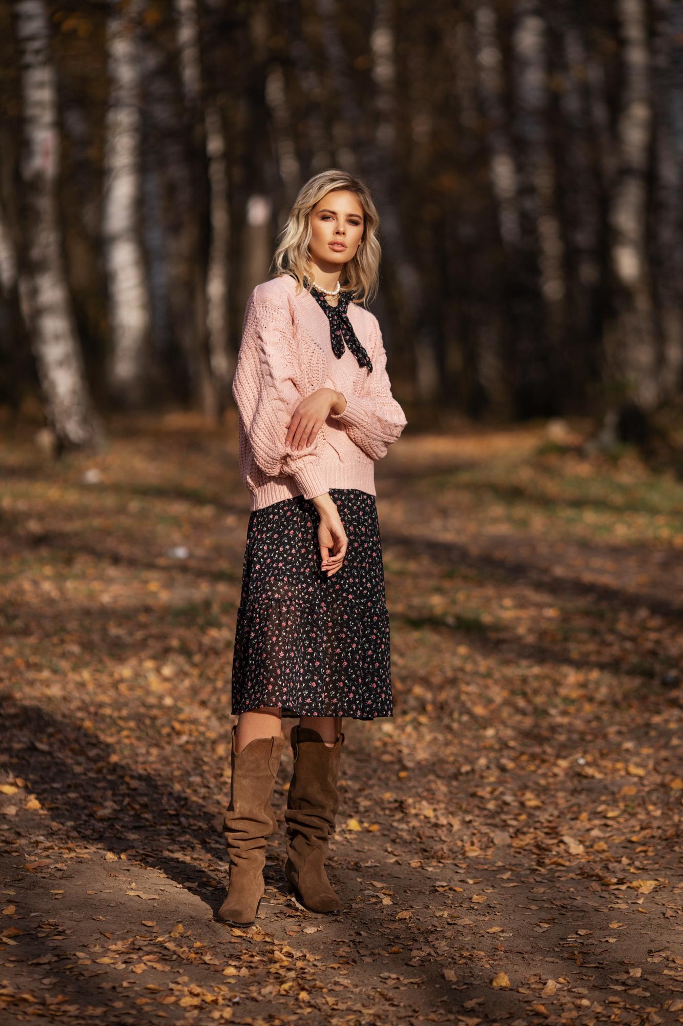 Розовый свитер, который просится в гардероб: в осенней коллекции Bella Potemkina