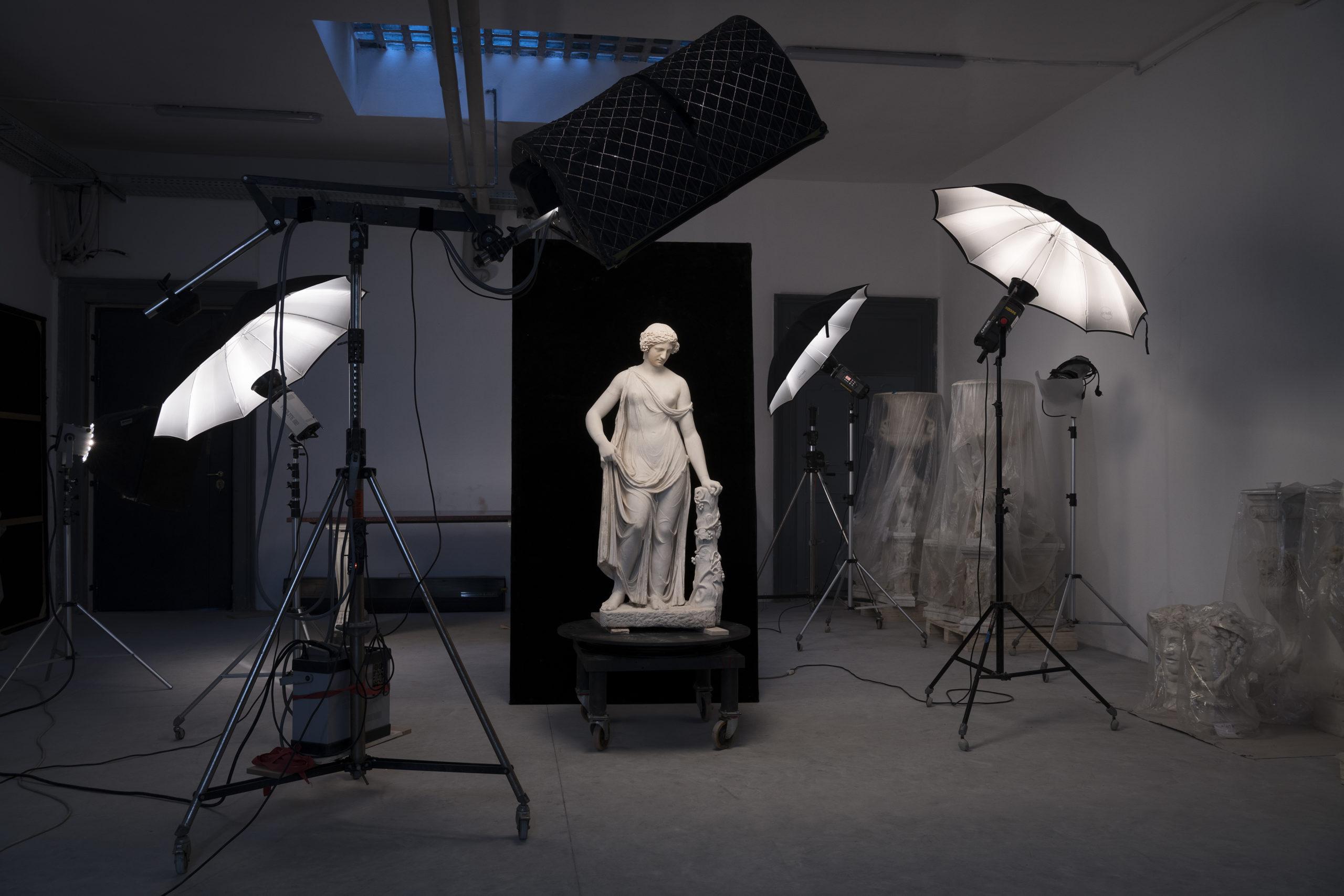 Искусство: дом Bvlgari представил выставку в Риме