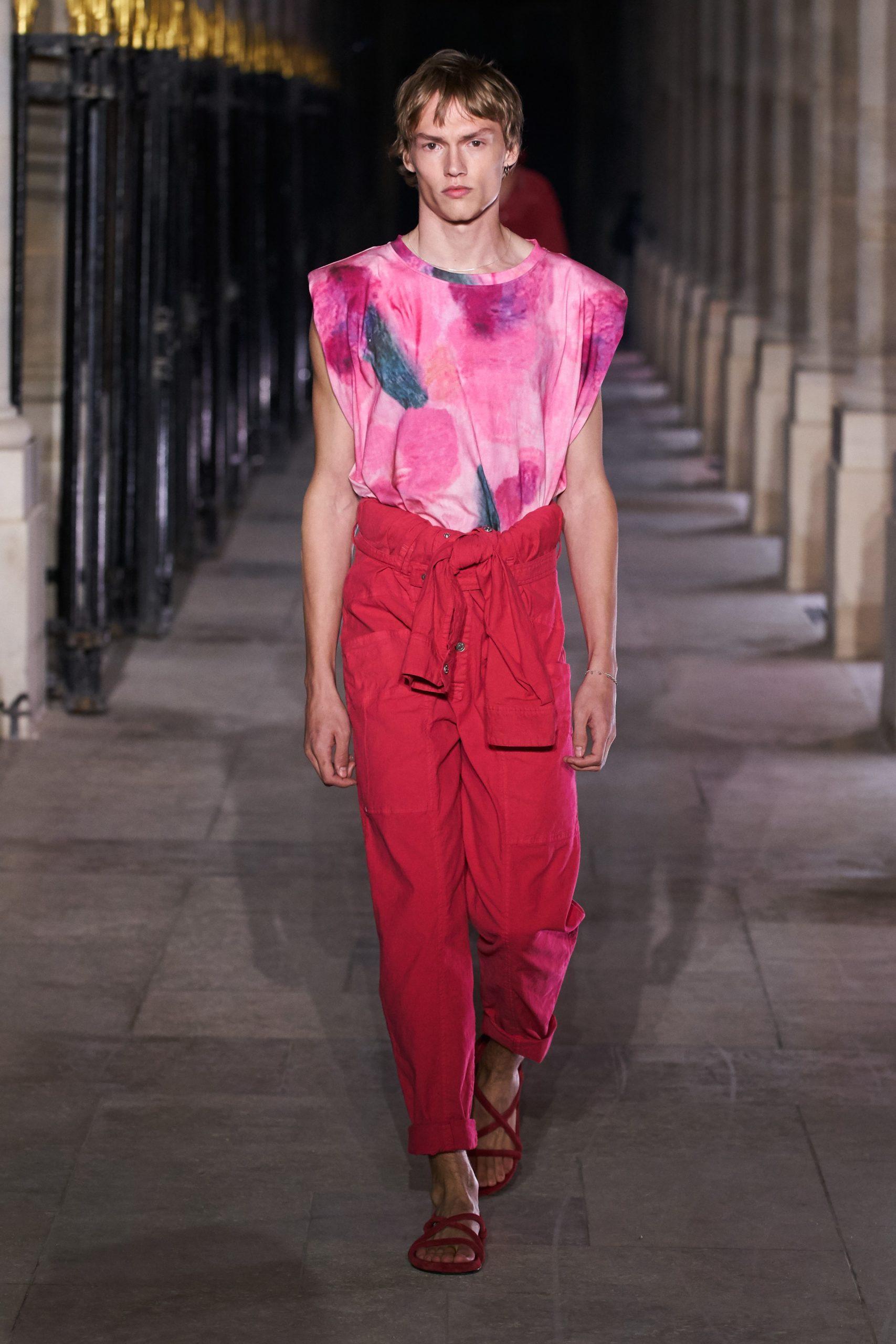 Розовые казаки и корсеты на показе Isabel Marant в Париже