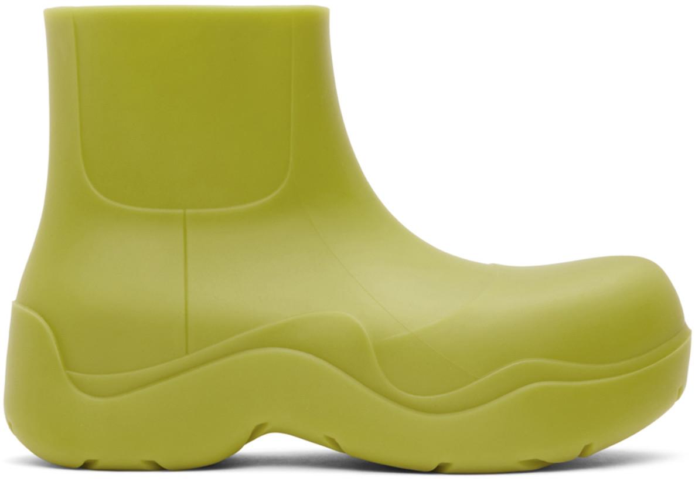 На платформе или с цветной подошвой: где купить трендовые резиновые сапоги
