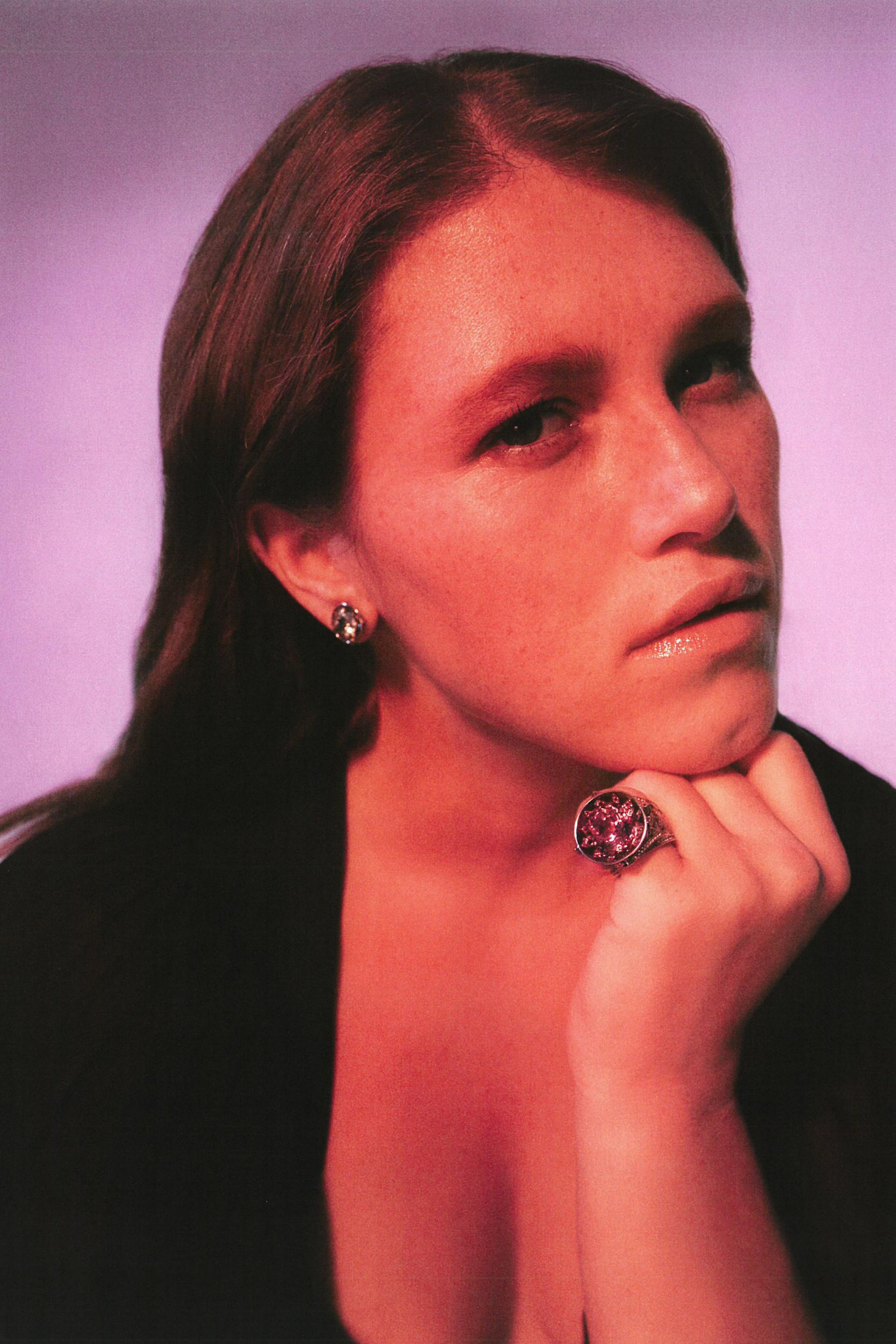 Варвара Шмыкова в новом кампейне ювелирного бренда Dzhanelli Jewellery