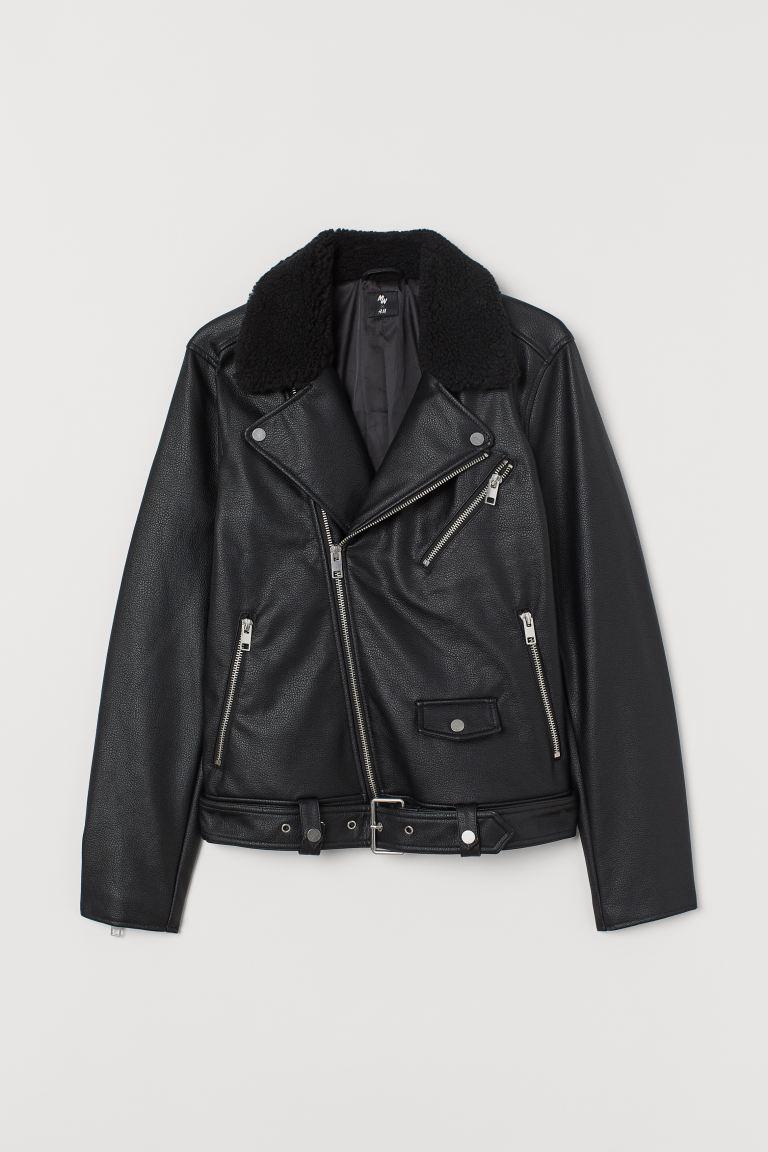 Ничего приталенного: кожаная куртка оверсайз на осень в стиле Хейли Бибер