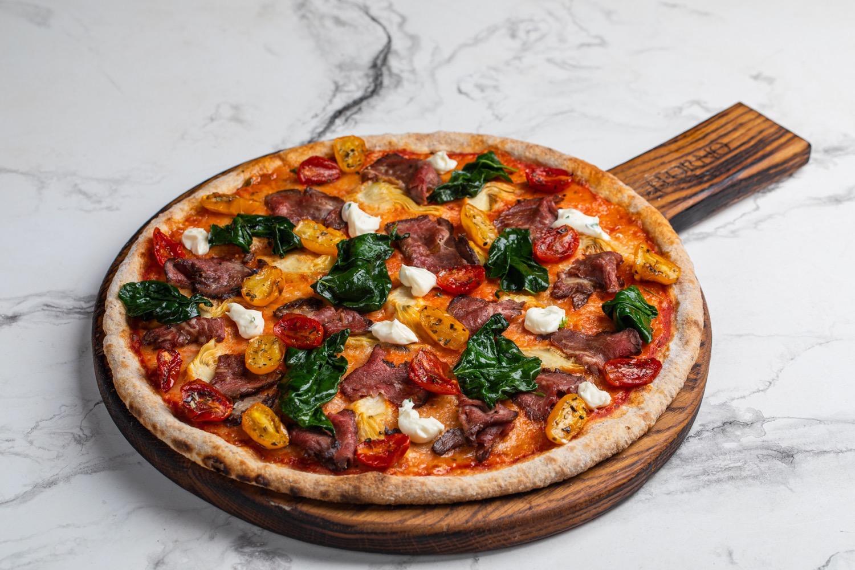 Пицца интеграле с ростбифом