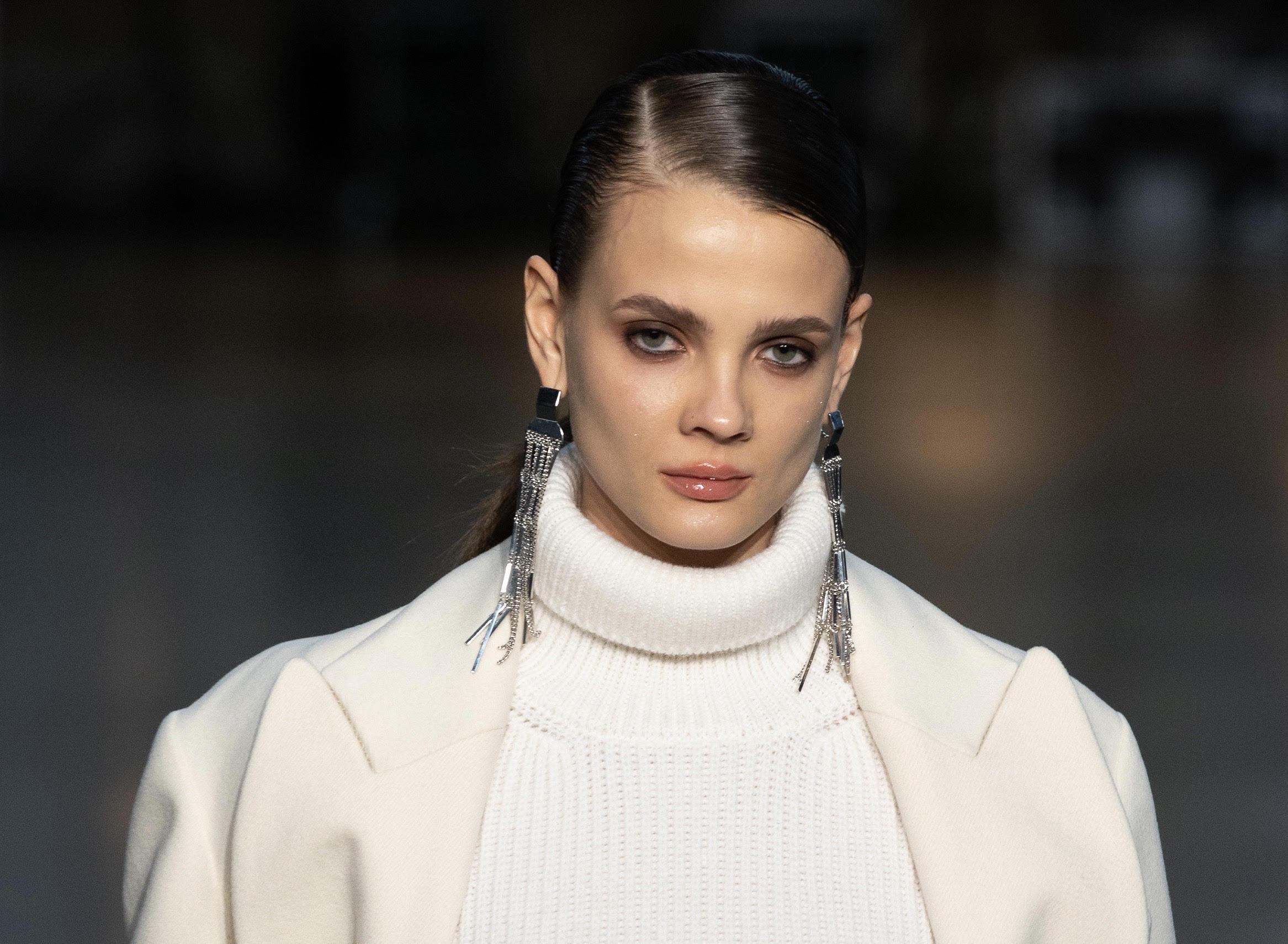 Бьюти-инструкция: как повторить макияж с показа CHAPURIN
