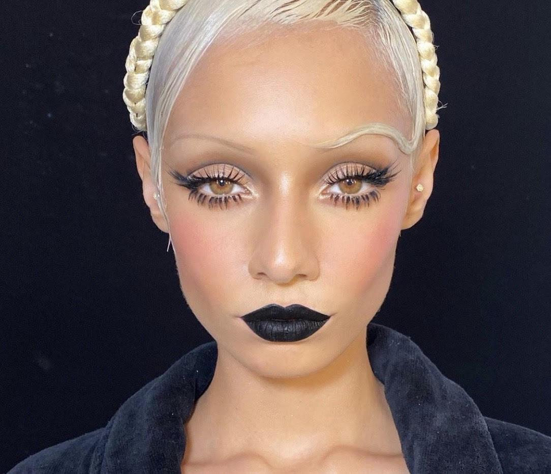 Все просто: как с помощью макияжа создать эффект наращенных ресниц