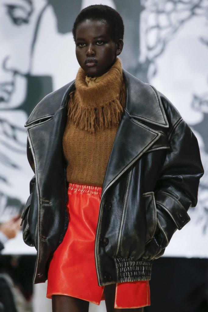Утепляемся стильно: как носить кожаную куртку в холод и не замерзнуть