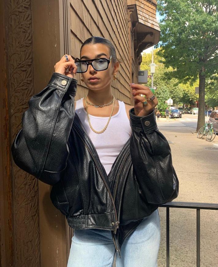 Падчерица Ивана Урганта Эрика Куталия: очки LEXXOLA, от 18 000 руб. (Фото: @e_ttg)