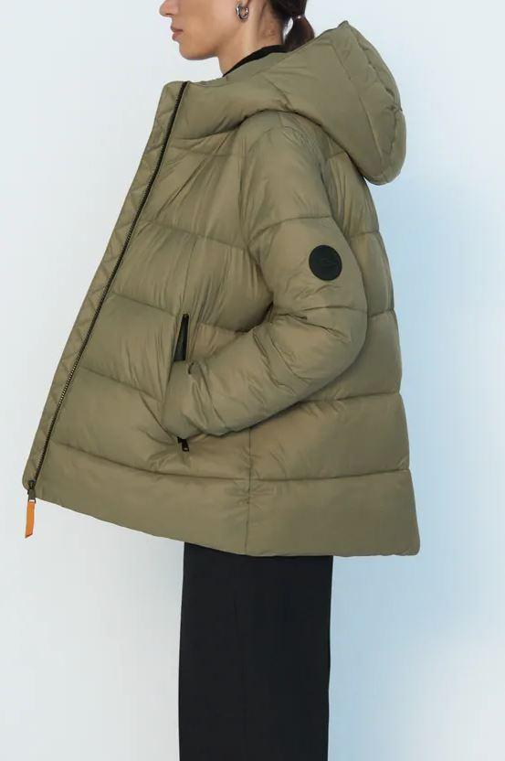 Готовимся к зиме: где купить огромный оверсайз пуховик