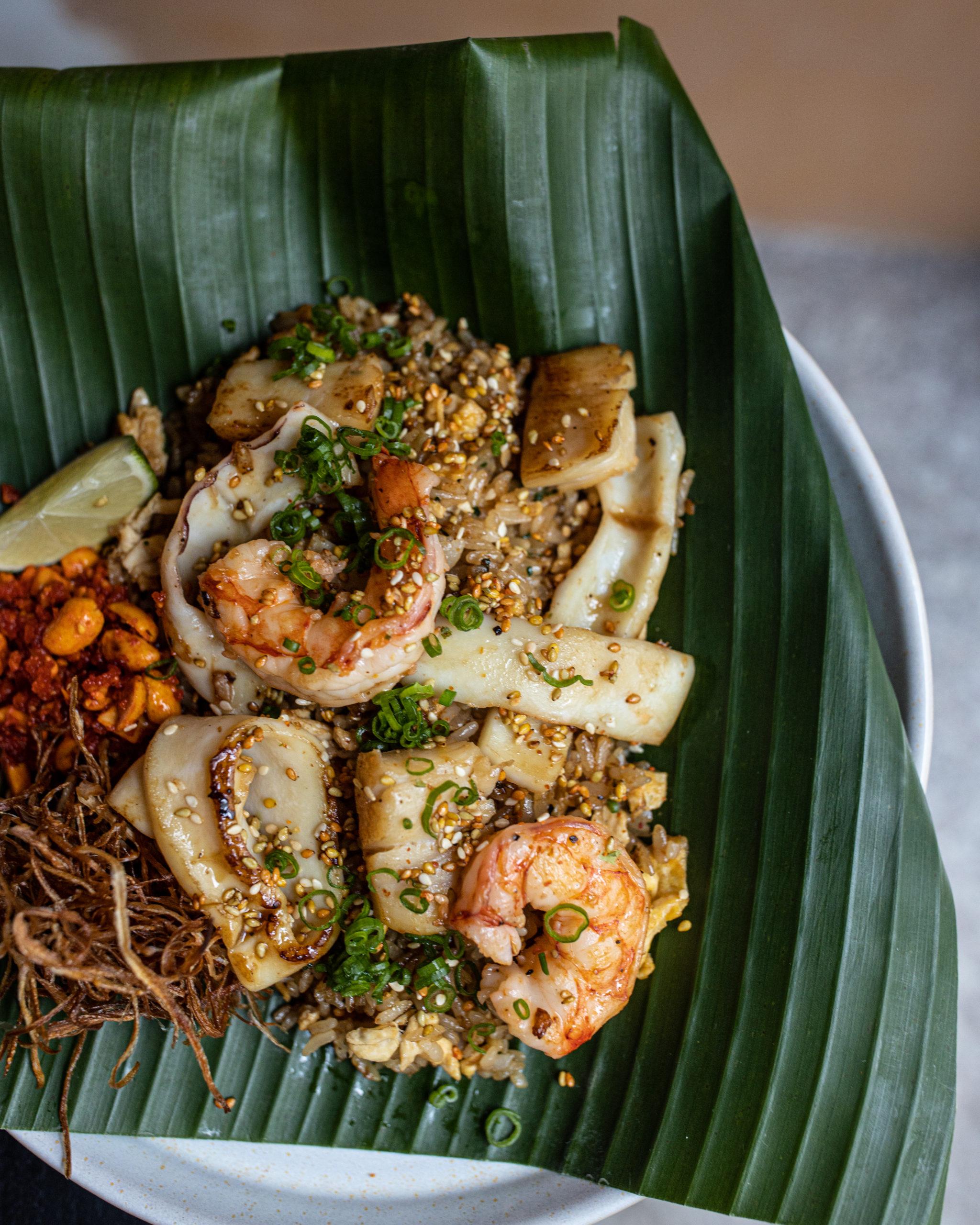 Жареный рис морепродуктами