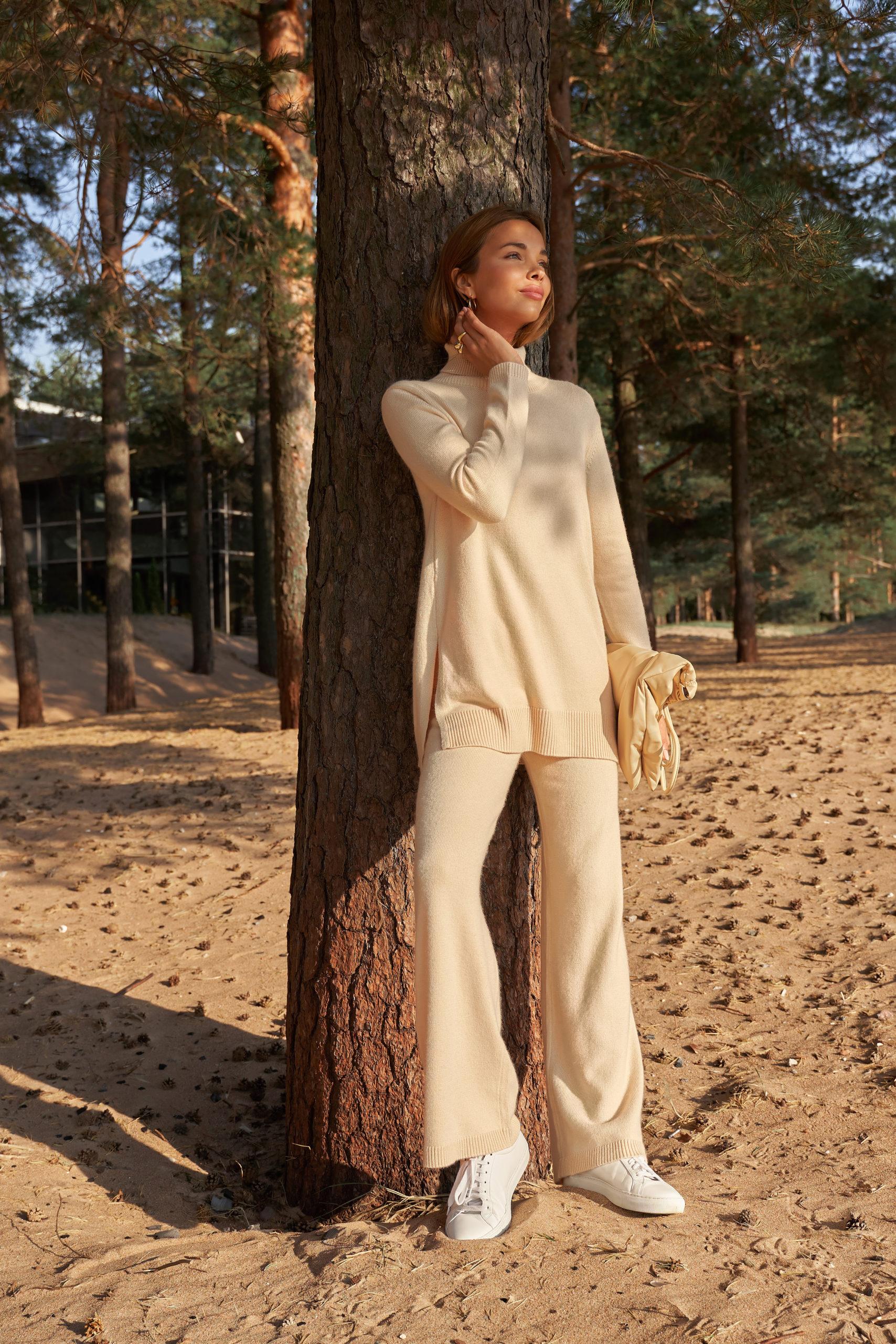 Идеальные костюмы и джемперы из кашемира в коллекции To Be Blossom