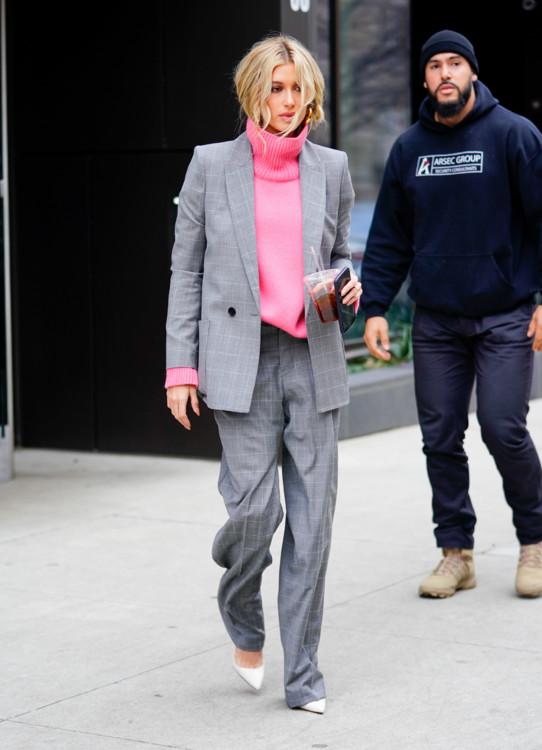 Одеваемся стильно: как повторить модные приемы Хейли Бибер