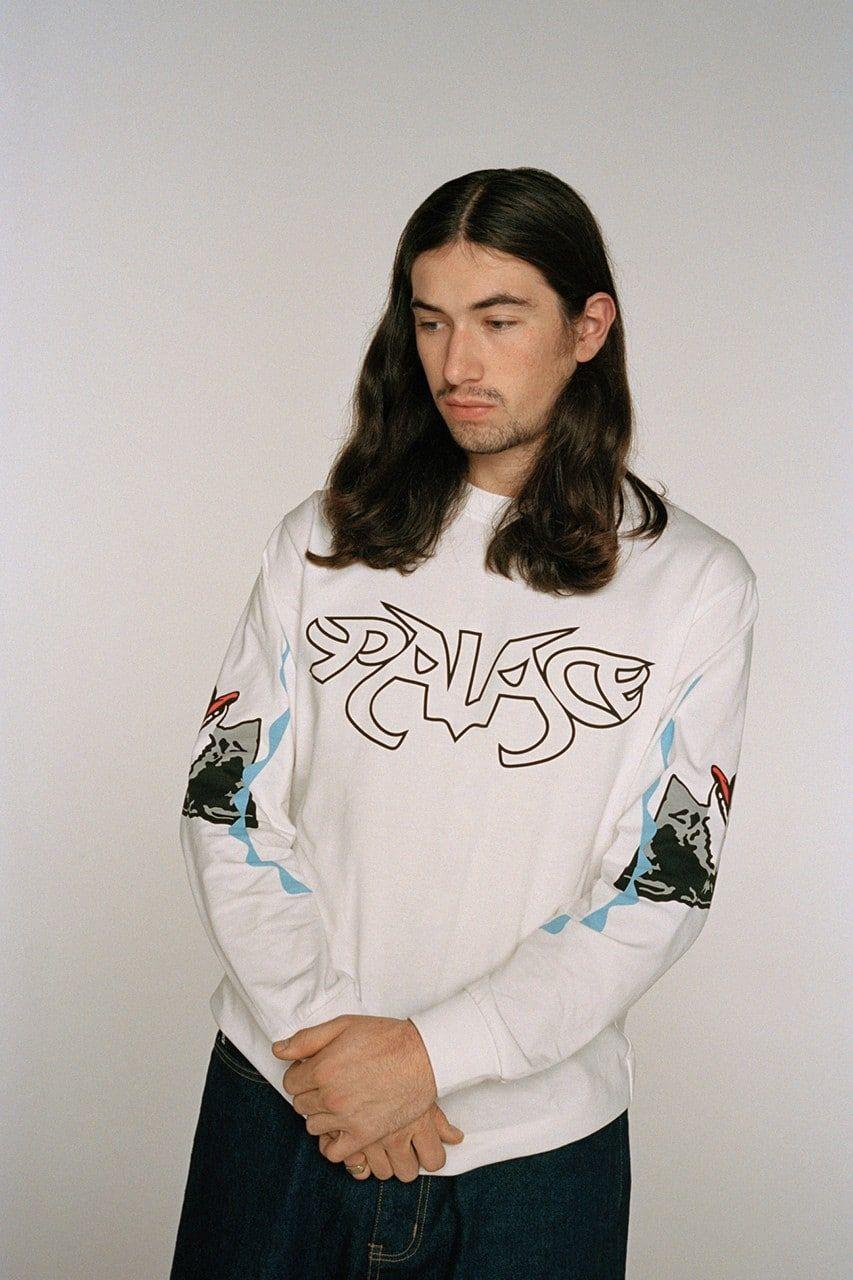 Отсылка на Уильяма Шекспира: Palace представил капсульную колекцию совместно с Adidas и Suburban Bliss