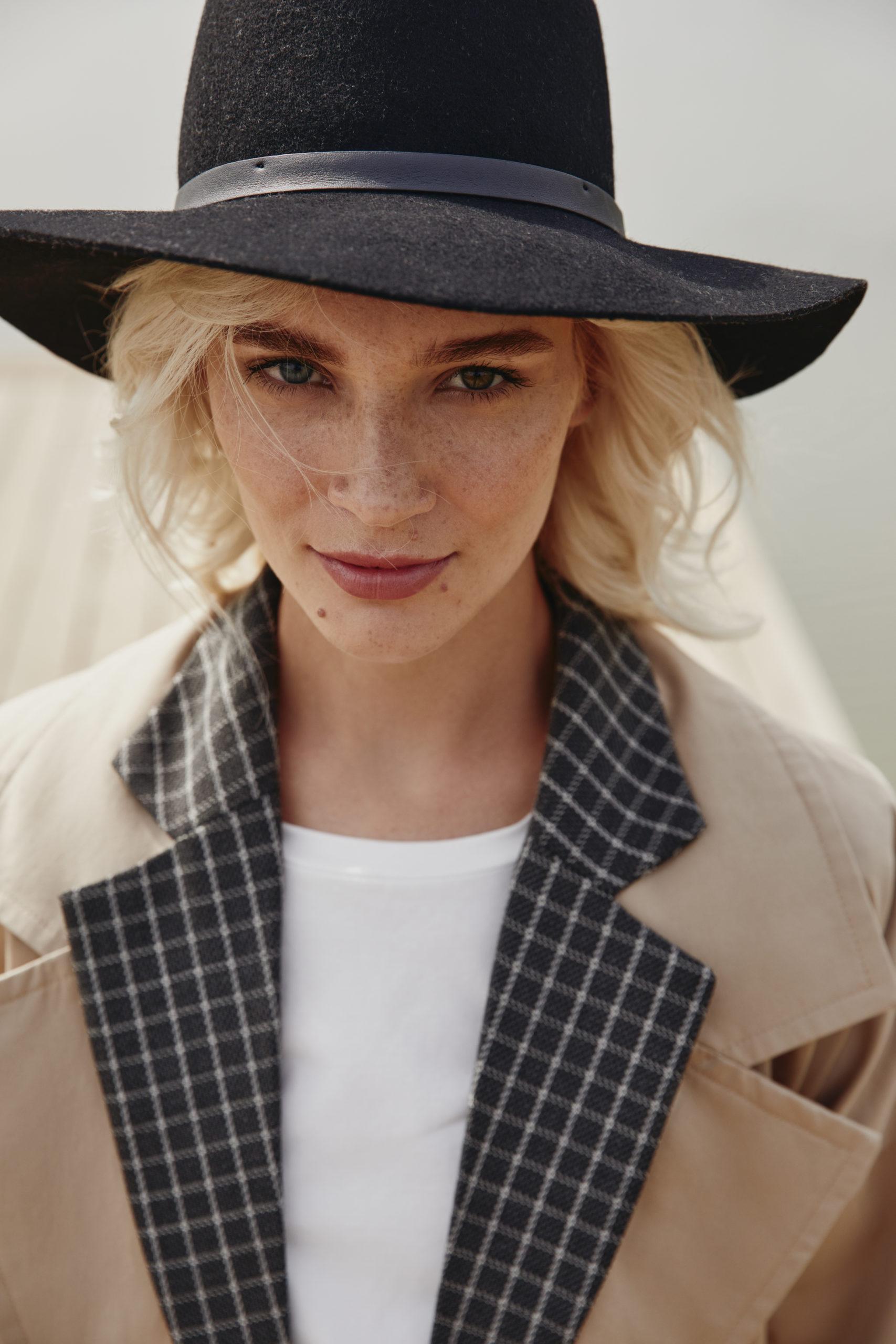 Пиджак из эко-кожи и брючный костюм в новой коллекции бренда из Санкт-Петербурга You